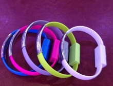 2015 wholesale oem acceptable wrist usb data cable for Iphone 6
