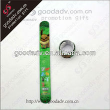 To promote the 2013 selling wholesale goods cartoon lovely small animal logo green luminous hands, wrist strap