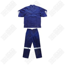 Fire retardant with reflective shirt and pant pieces