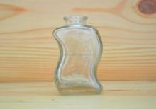 Fancy glass perfume bottle design