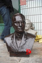 Bronze famous man bust statues with glasses