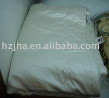 silk quilt,silk comforter,luxury bedding
