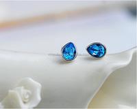 Drop shaped blue crystal earring stud