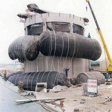 Marine natural rubber airbag used for wreck ship