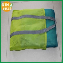 hdpe the sandless beach mat with tote bag