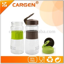 Popular in China market 550ml sport plastic water bottle with handle
