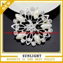 Top Quality Simple Rhinestone Pearl Brooch Wholesale