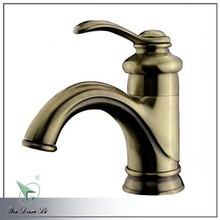 Antique bronze deck mount traditional sink water faucets A004