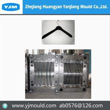 Huangyan manufacture recycled plastic hangers molding