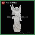 Escultura blanca de mármol de ángel
