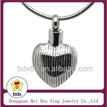 Hot Sell Funeral Ash Jewelry Stainless Steel Locket Heart Shape Cremation Urn Heepsake Pendant For Cute Pet Always in My Heart