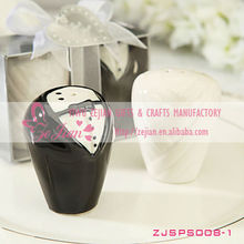 Mini Bride And Groom Salt And Pepper Shaker Wedding Gifts