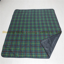 printed check portable gift rug for travelling(1 layer humid proof, l layer fleece keep warm)