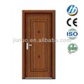 a porta do quarto a porta de madeira