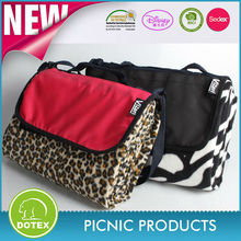 Alibaba China Blanket Manufacturer high quality portable nylon handle waterproof picnic mat