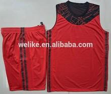 nueva moda de diseño de poliéster los hombres de valores conjunto uniforme de baloncesto