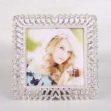 """Vintage Cream Metal Floral Photograph Frame 6"""" x 4"""" Picture PhotoHQ121910-44"""