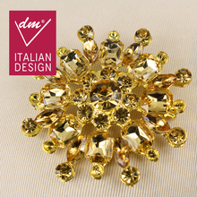 Hot selling magnetic gold flower brooch with rhinestone brooch for evening dress