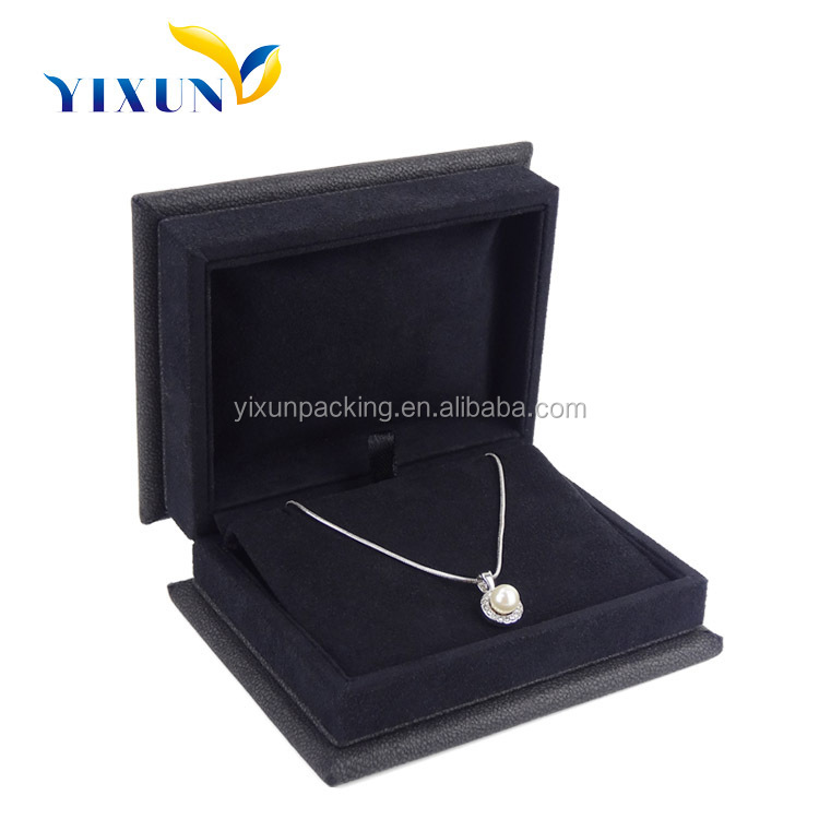 Alibaba china supplier wholesale women crystal pendant neclace leather