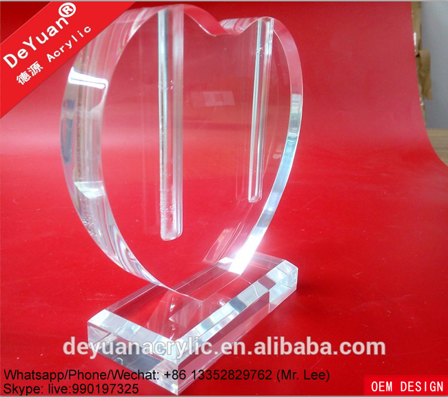 Clear heart shape acrylic decoration vase for office display (2).png