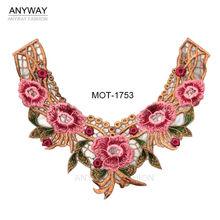 bordado para mujeres con motivos flores tejido
