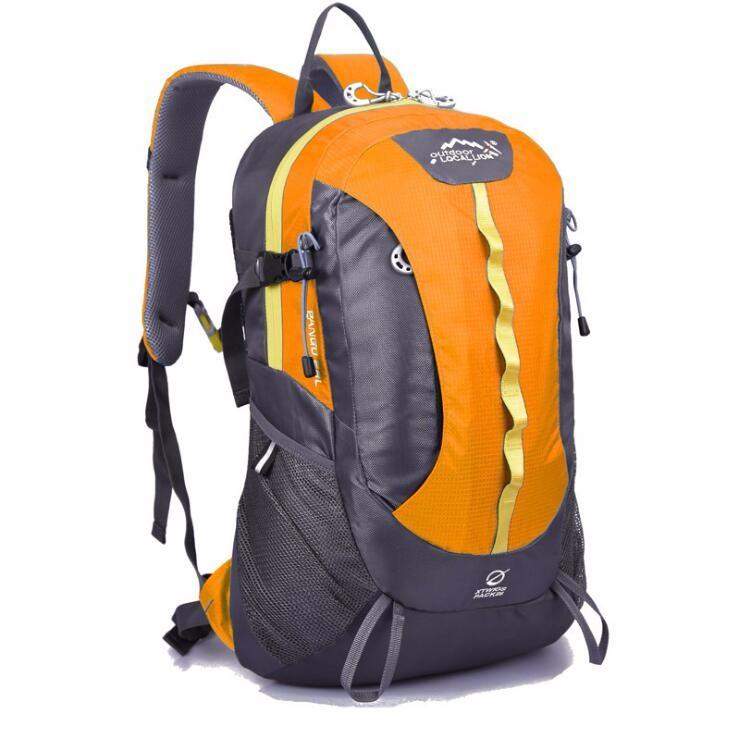 sports travelling backpack bag  (1).jpg