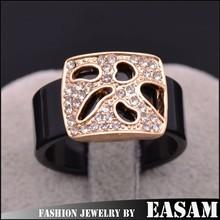 Men&women acrylic ring with hollow alloy rhinestone set ring