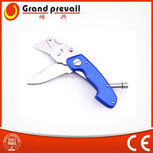 Utility knife blade with LED light