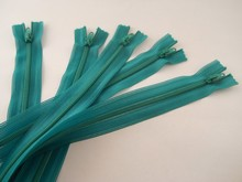 5 Kelly green beulon zippers, 16 inch, YKK, closed end style.