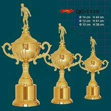 custom awards metal soccer trophy cups with gold plating