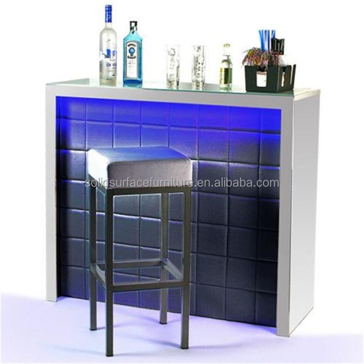 Muebles bar en casa elegante peque a barra de bar dise os for Muebles para pub