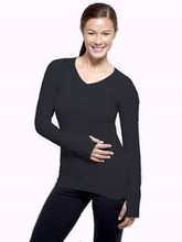 woman design sport long sleeve shirts with front zipper and thumb holds
