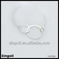 Casual different size bicyclo-circle pendant necklace silver dual ring pndant necklace simpel jewelry metal bib necklace
