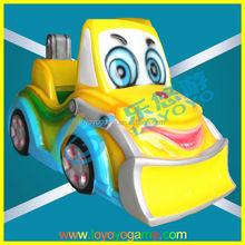 gioco esterno machie sorriso faccia cartone animato per bambini batteria auto