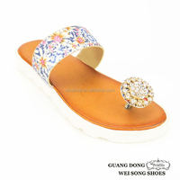 low price promotional flip flop slipper design printing slippers flat sandals rhinestones wholesale women slippers