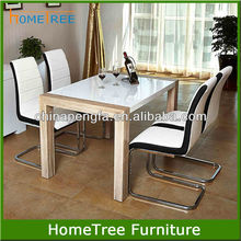new design Modern MDF high gloss top/oak legs dining table for dining room