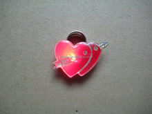Hight quality badge clip safety pin with An arrow through the heart shape