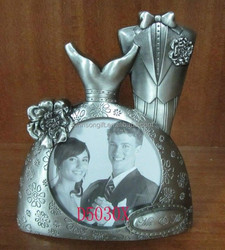 Wedding Dress Mini Metal Alloy Photo Picture Frame For Wedding Aniversary Gifts