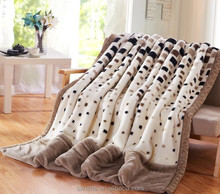 Popular China supplier Comfortable Polyester Print Thermal Blanket