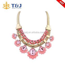 Wholesale Women Fashion Choker Jewelry Heavy Gold Chain Artificial Acrylic Flower Necklace