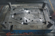 Professional mould manufacturer Motorcycle Parts Plastic Injection Moulding
