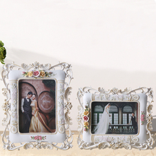 2015 high quality polyresin 4x6 5x7 inch souvenir picture frame triangular stand sexy boy and girl photo frame