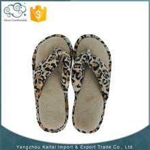 Lastest fashion newest design wholesale soft rubber custom soft sole flip-flops