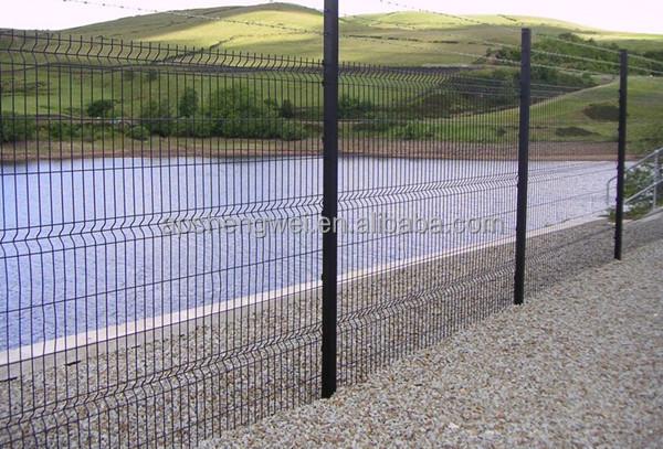 Rete metallica per recinzioni prezzi recinzione grata e for Rete stirata per cancelli