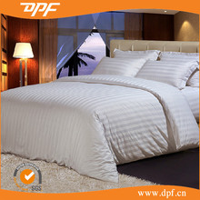 Plain woven white hotel bedding linen / 1/1 plain woven style cotton high quality fabric for bedding