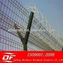 Corrosion Resistance Powder Coated Security Airport Fence With Barbed Wire ( Factory,SGS,BV)