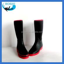 fábrica por atacado sapatos de solado vermelho neoprene impermeável chuva sapatos