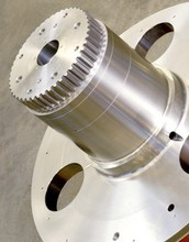 Customed High Hardness Shafts CNC Percision Worm Shafts Forging Spur Gear Shafts With ISO9001