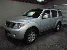 Selling my Nissan Pathfinder 2010 Model:$14,500