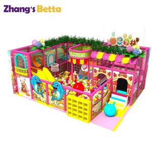 Patio interior para ir de compras y de centro comercial centro de entretenimiento familiar